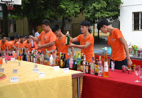 金牌1512班调酒考试