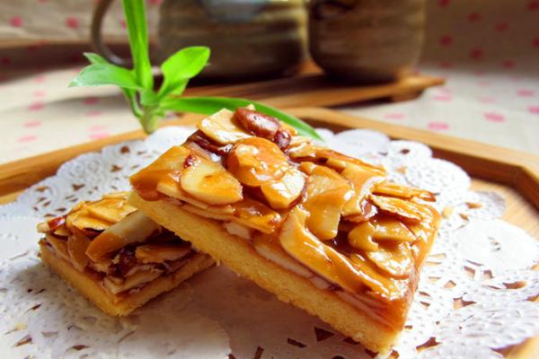 杏仁焦糖酥饼