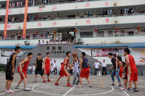 广西华南校园篮球决赛圆满落幕 金牌4班一举夺冠